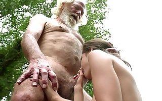 70 savoir vivre old grandpa fucks 18 savoir vivre old girl moans with pleasure and swallows